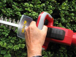 mantis cordless hedgetrimmer swivle handle