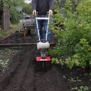 Mantis tiller 4-stroke digging allotment